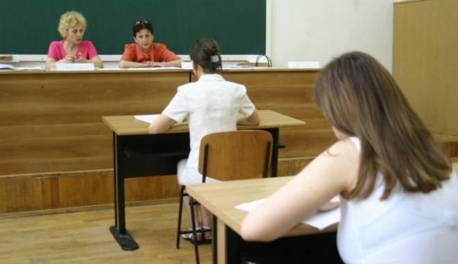10 elevi au simulat Bacul - bacbacalaureatprobaexamen1362956-1425381498.jpg