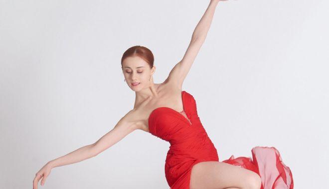 """Foto: """"Lebăda"""" şi """"Pas de polca""""!  Seară de balet incendiară  pe scena Casei de Cultură"""