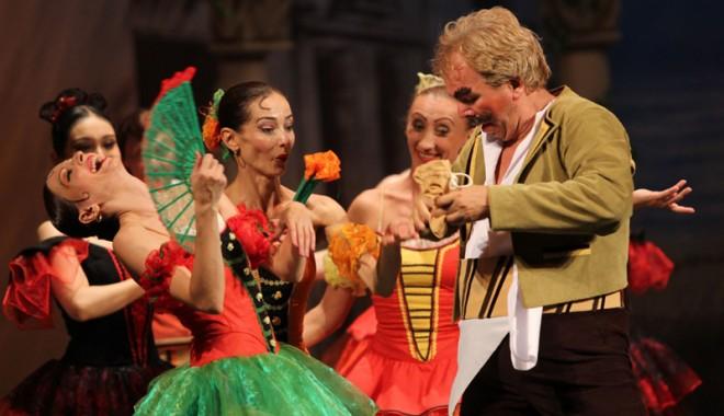 Don Quijote s-a luptat sâmbătă seara cu morile. Şi a învins - balet79-1340552385.jpg