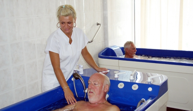 Foto: Nu mai au răbdare! De ce întârzie biletele de tratament pentru pensionari