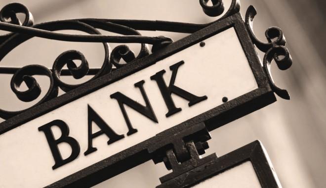 Foto: Băncile continuă să reducă dobânzile