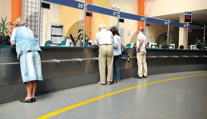 Foto: Băncile din România percep cele mai mari comisioane din UE