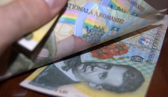 Foto: Cine e obligat să achite contribuţia la pensii