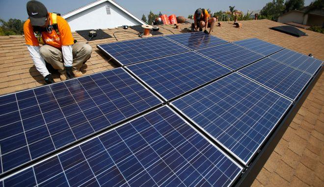Foto: Bani de la stat pentru achiziţionarea şi utilizarea surselor de energie regenerabilă