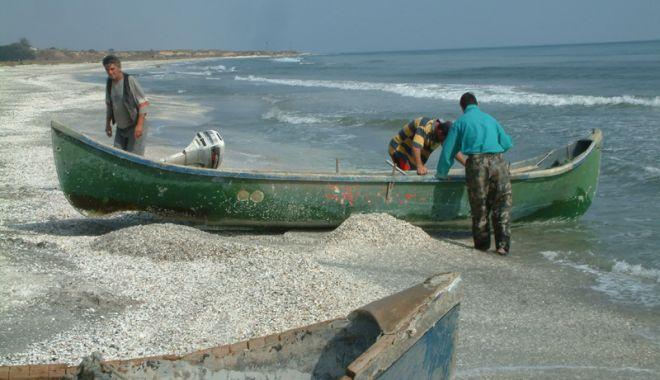 Foto: Bani europeni pentru pescuit  și acvacultură,  în sudul litoralului