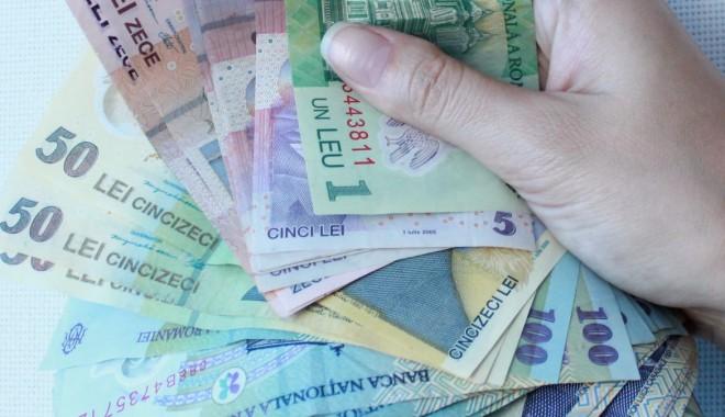 Foto: Soldul creditelor pentru populaţie şi firme a crescut