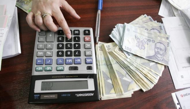 Foto: Bani pentru tinerii care intră în afaceri