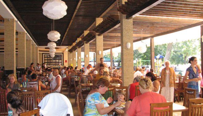 Restaurantele şi hotelurile din Eforie Nord, verificate de polițiști - bar-1531925130.jpg