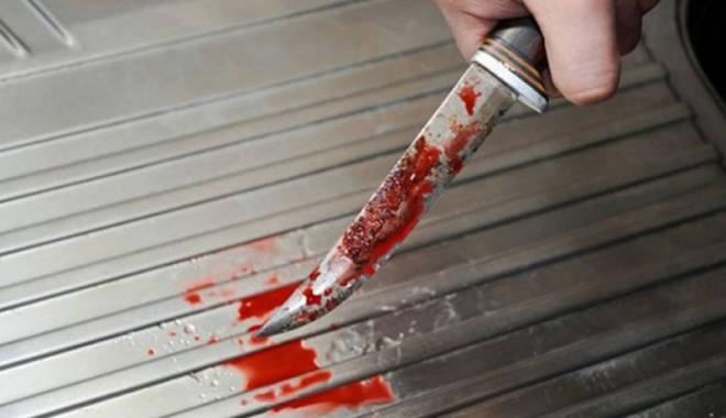 Foto: Bărbat înjunghiat de un om  al străzii, în zona Tomis Nord