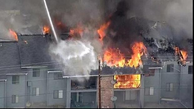 SCENĂ SPECTACULOASĂ! Un bărbat de 103 ani a sărit pe fereastră pentru a se salva dintr-un incendiu - barbatsarit60881100-1548076255.jpg