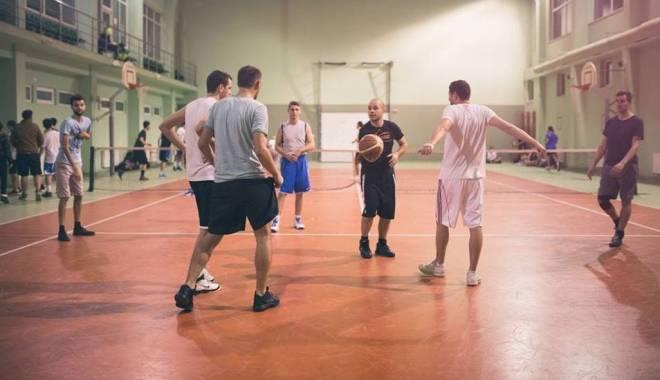 Moș Crăciun a participat la Sunday Basketball – Ediția de Crăciun - baschet2-1419347315.jpg