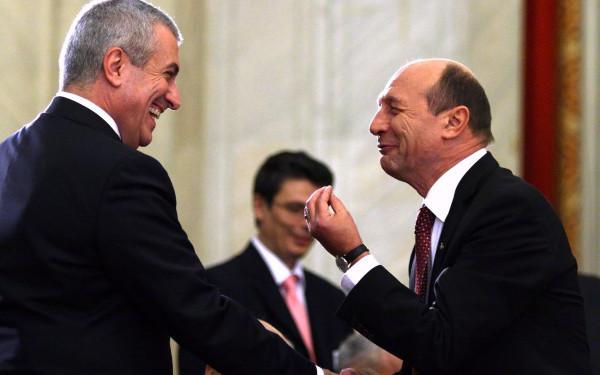 Foto: Traian Băsescu îi cere demisia lui Călin Popescu Tăriceanu de la conducerea Senatului