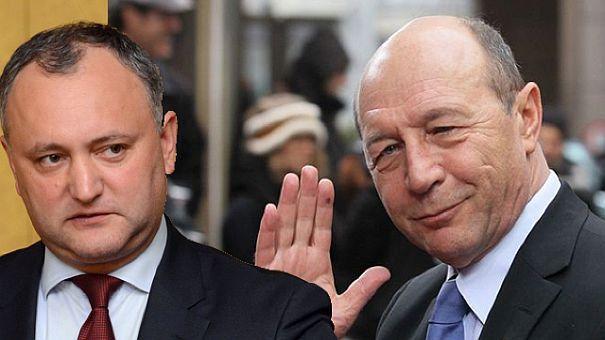 Foto: Igor Dodon i-a retras cetăţenia moldovenească lui Traian Băsescu