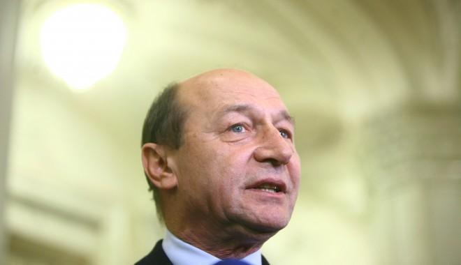 Foto: Băsescu cere Parlamentului să adopte mai rapid noul Cod Penal