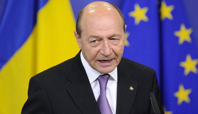 """Foto: Băsescu: """"Sper ca Iohannis să-i toace pe cei de la PSD"""""""