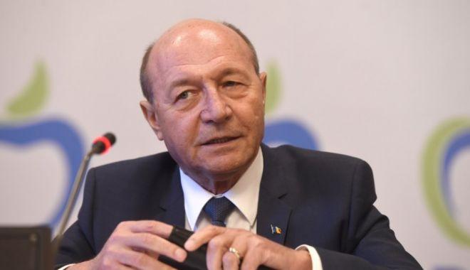 Foto: Traian Băsescu: PNL, USR şi PMP, nicio şansă la moţiunea de cenzură