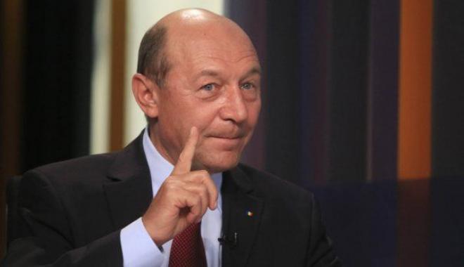 """Foto: Băsescu cere oprirea """"revoluţiei fiscale"""""""