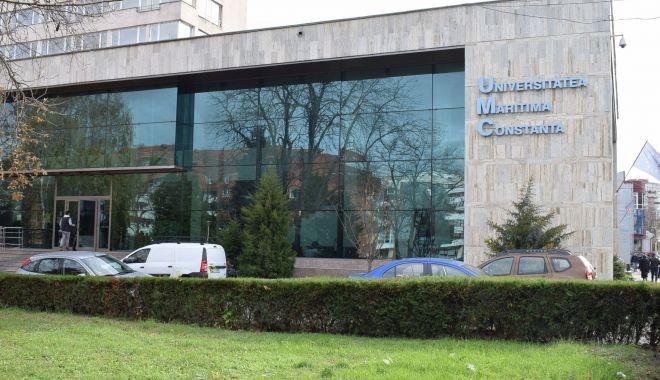 """Foto: """"Bătaie"""" pentru locurile bugetate, la Universitatea Maritimă"""