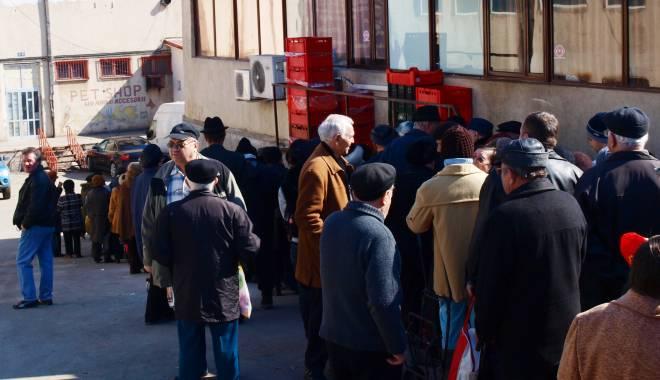 Foto: S-a stabilit când se distribuie pachetele cu alimente pentru nevoiaşii din Constanţa