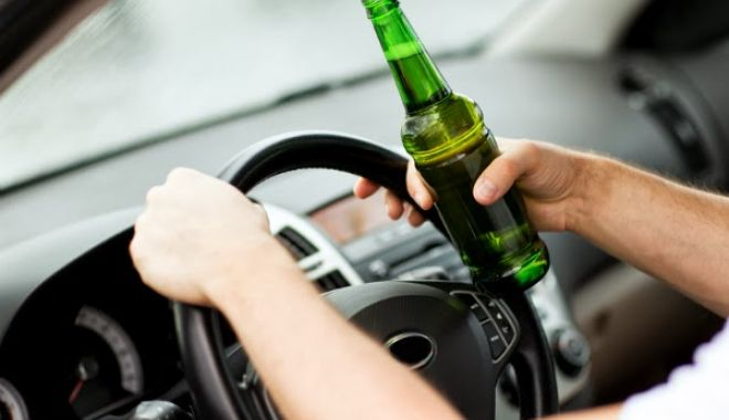 Alcoolul  îi afectează teribil pe șoferi în trafic - baut-1531490305.jpg