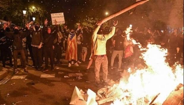 VINEREA NEAGRĂ! Cele mai violente proteste din ultimul deceniu în Catalonia! - bcn156269200-1571465623.jpg