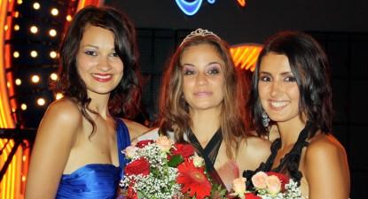 """Foto: Georgiana Valentina Mitrică, câştigătoare a locului III la """"Miss Diaspora 2009"""", vrea să ajungă medic veterinar în Japonia"""