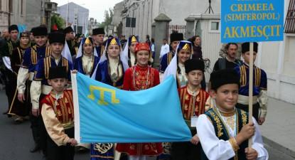 Foto: Parada lumii turcice pe străzile Constanţei