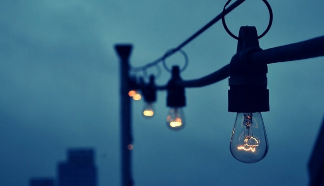 ENEL. Vezi aici unde se opreşte curentul electric, luni, la Constanţa - bec-1502515998.jpg