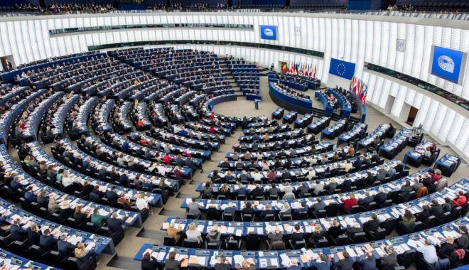Foto: BEC a stabilit ordinea pe buletinele  de vot la alegerile europarlamentare