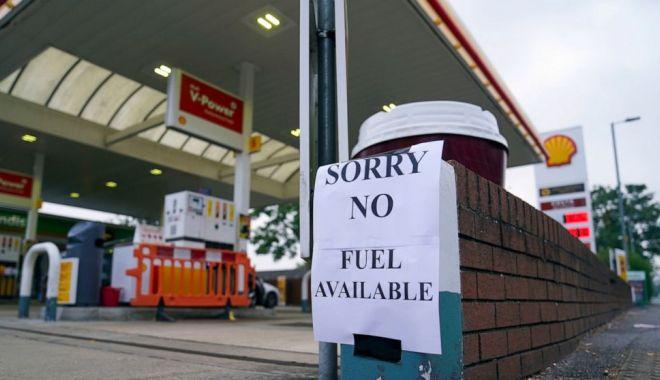 Marea Britanie suspendă legile concurenței pentru a permite benzinăriilor să se alimenteze - benzina-1632726880.jpg