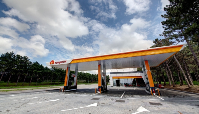 Foto: Rompetrol a deschis  10 staţii noi în Moldova. Carburanţii sunt produşi la Petromidia