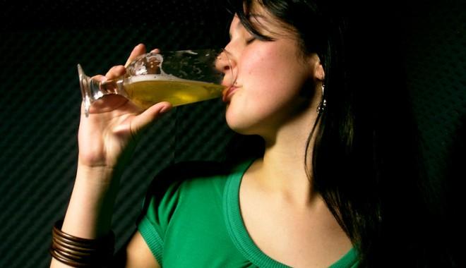 Foto: Vrei s� te fere�ti de boli? Bea bere