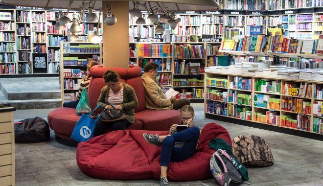 """""""Biblioteca Vie"""" vă aşteaptă să exploraţi o lume diferită - bibliotecavie-1631728478.jpg"""