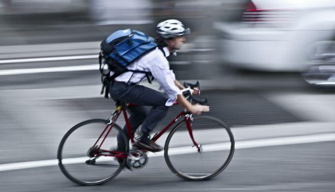 Cum să te deplasezi uşor prin trafic cu ajutorul unei biciclete - bicicleteoras-1531384824.jpg