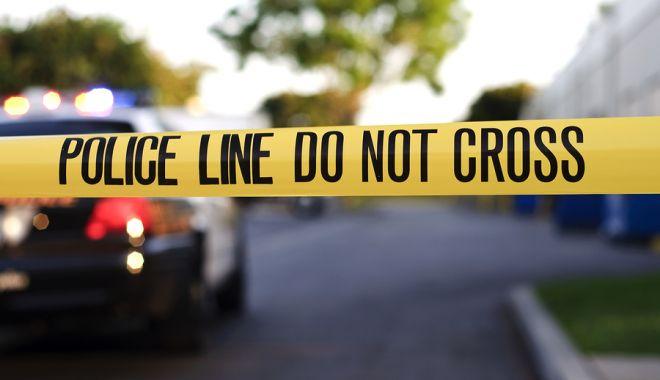 Foto: CAZ MISTERIOS LA FRONTIERĂ! Un bărbat mort şi o femeie rănită, găsiţi de poliţişti