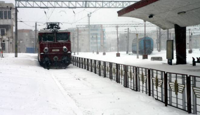 Foto: Sute de acţiuni în trenuri pentru depistarea călătorilor frauduloşi