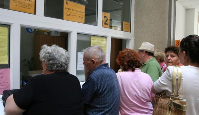 Foto: Pensionarii din Constanţa se înghesuie să plece la tratament, la munte. În ce condiţii se acordă biletele de odihnă