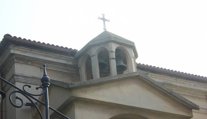 Biserica mistuită de flăcări. Lăcașul de cult vechi de peste 130 de ani - bisericaarmeanapeninsula12-1445786902.jpg