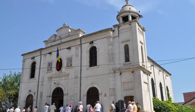 Sărbătoare la Biserica Greacă - bisericagreaca-1440502125.jpg