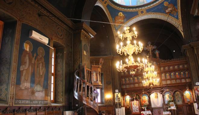 Foto: Povestea singurei biserici din Dobrogea pictată de Tonitza. Opera maestrului, în mare pericol de degradare
