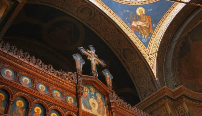 Povestea singurei biserici din Dobrogea pictată de Tonitza. Opera maestrului, în mare pericol de degradare - bisericasfantulgheorghe31-1429200572.jpg