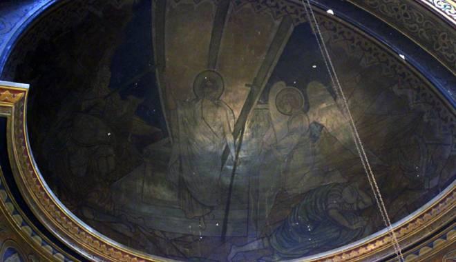 Povestea singurei biserici din Dobrogea pictată de Tonitza. Opera maestrului, în mare pericol de degradare - bisericasfantulgheorghe35-1429200591.jpg
