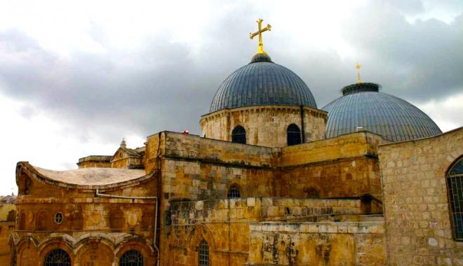 Foto: Moment istoric la Ierusalim. A fost redeschisă Biserica Sfântului Mormânt