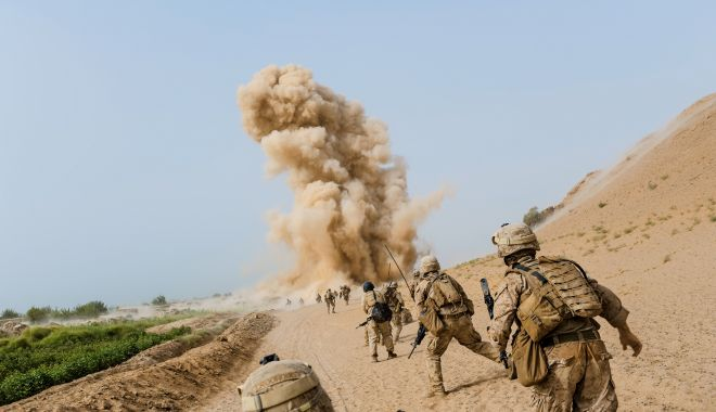 Doi militari români, răniți în Afganistan