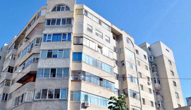 Unde închiriem un apartament  cu patru camere, la preţ de două