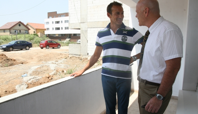 Avraham Morgenstern, tovarăş de cârdăşie cu Radu Mazăre, prins în Argentina. S-a legitimat cu acte false! - blocurilocuintetineribabanovacra-1513236836.jpg