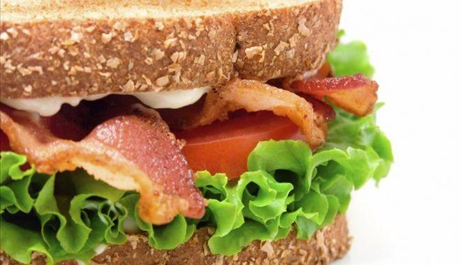 Foto: Trei oameni au murit,  după ce au mâncat sandvisuri infectate cu Listeria