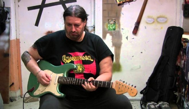 Foto: Blues... rock... feelings... Rareș Totu la Amethyst Music Club!