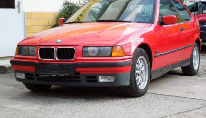 """Foto: BMW-ul unui fotbalist celebru, scos la vânzare. """"Mi se pare un preţ suspect de mic!"""""""