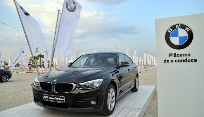 Foto: Cele mai tari modele BMW au ajuns pe plajă